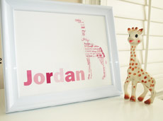 Style: Giraffe with child's name pink print